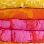gamla täcken och filtar